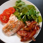 salmon tomatoes bacon spinach salad